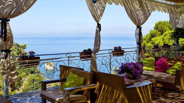 Sol og samvær ved Den Napolitanske Riviera